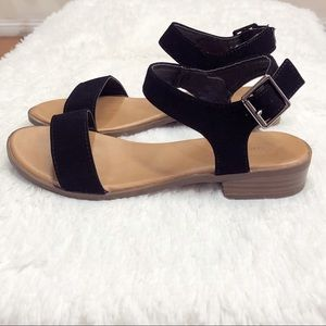 Black Open Toe Sandal with small block heel